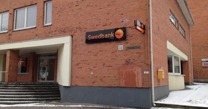 Swedbank Prienuose įėjimas