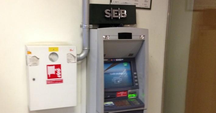 SEB bankomatai neveikia