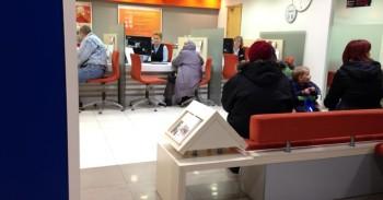 Swedbank nemandagi darbuotoja mini
