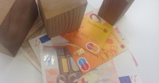 Swedbank kortelė užsienyje mini