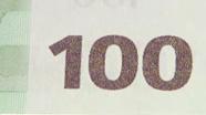 100 eurų spalvą keičiantis skaičius, pasikeitęs