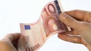 10 eurų banknotas turi šiugždėti