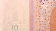 10 eurų vandens ženklas ženklas ant stalo