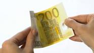 200 eurų banknotas turi šiugždėti