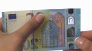 20 eurų nauji banknotai su nelygiu paviršiumi Nr. 4