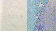 20 eurų vandens ženklas ženklas ant stalo