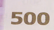 500 eurų spalvą keičiantis skaičius, pasikeitęs