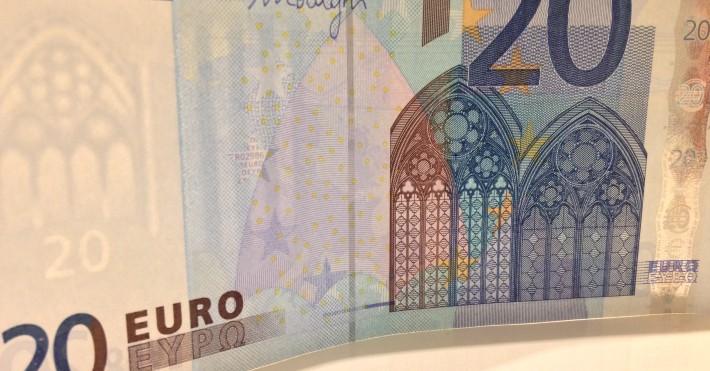 20 eurų