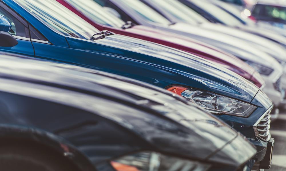 Naujų automobilių lizingas pasivijo ir pralenkė naudotų
