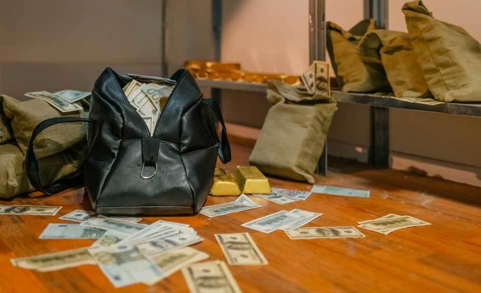 Nuo šiol LB tirs ir kitų valiutų padibtus banknotus