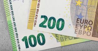 100 ir 200 eurų mini