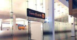 """""""Swedbank"""" įtariamas pinigų plovimu mini"""