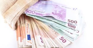 Bankai už indėlius siūlo minimalias palūkanas (Bankai.lt) mini
