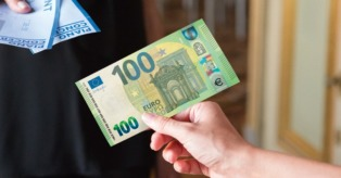 100 eurų banknotas mini