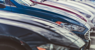 Naujų automobilių lizingas pasivijo ir pralenkė naudotų mini