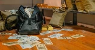 Nuo šiol LB tirs ir kitų valiutų padibtus banknotus mini